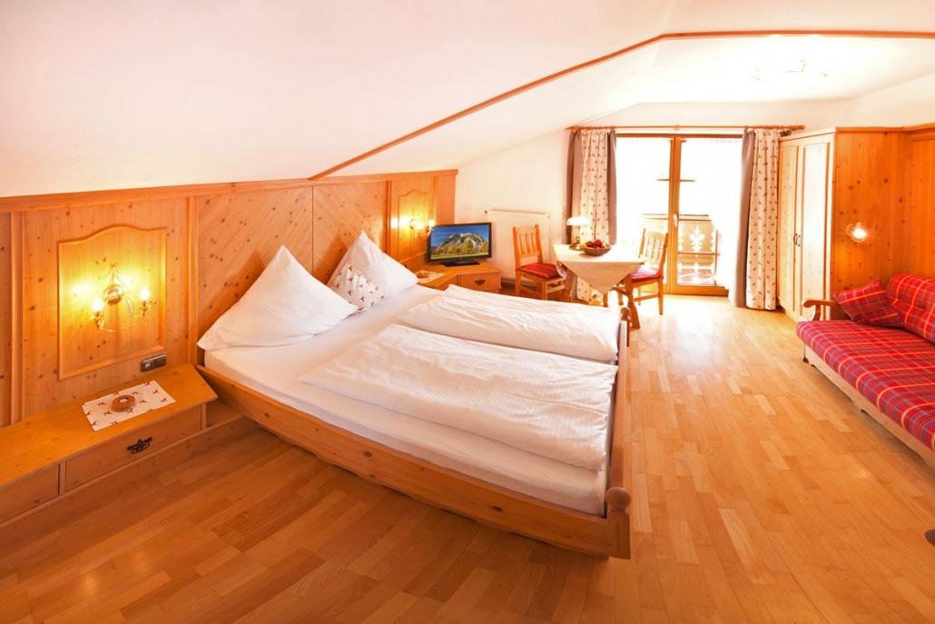 Ferienwohnung - Gästehaus: Zum Baur in Krün - Zimmer frei