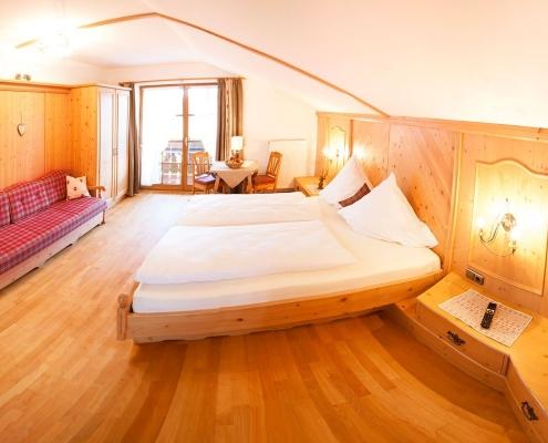 Ferienwohnung Zum Baur - FeWo 6 - Wetterstein-Schlafzimmer