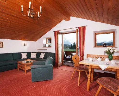 Ferienwohnung Alpenblick Walchensee Wohnzimmer