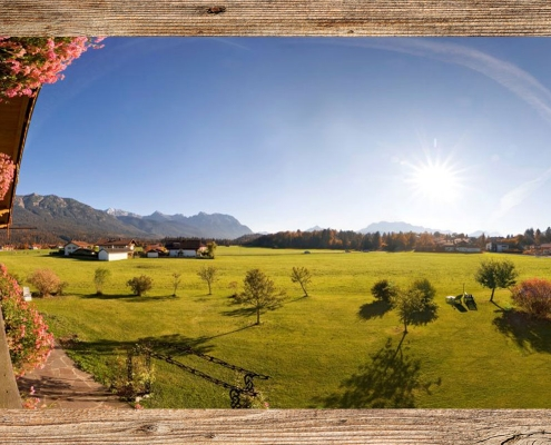 Ferienwohnung Zum Baur - FEWO Karwendel Panoramablick im Sommer