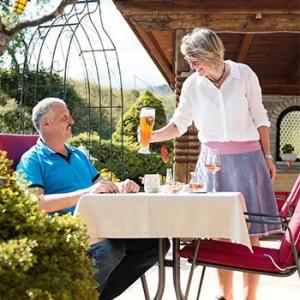 Gästezimmer im Hotel Alpenhof Wallgau bei Krün