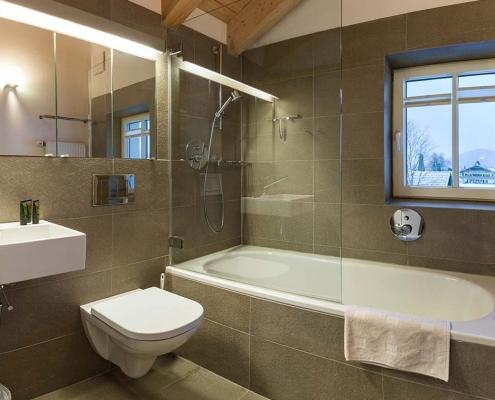 Ferienhaus Alpenblicke Bad mit Wanne