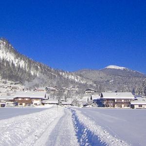 Spaziergang im winterlichen Wallgau